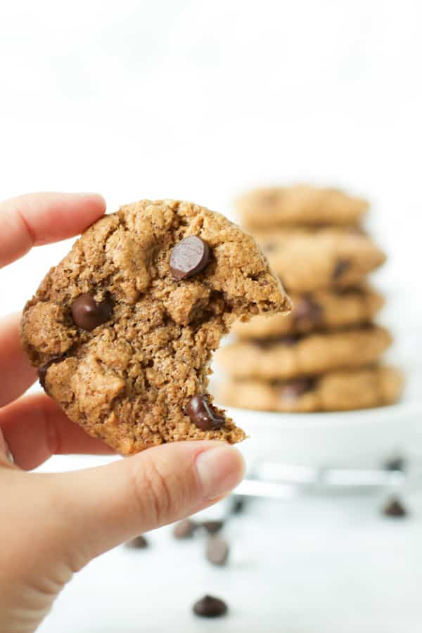 Gluten-free chocolate chip cookies - Primavera Kitchen