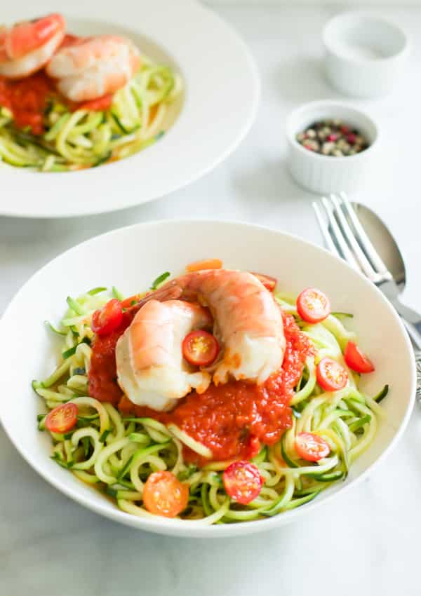 Zucchini noddles with tomato sauce and shrimp