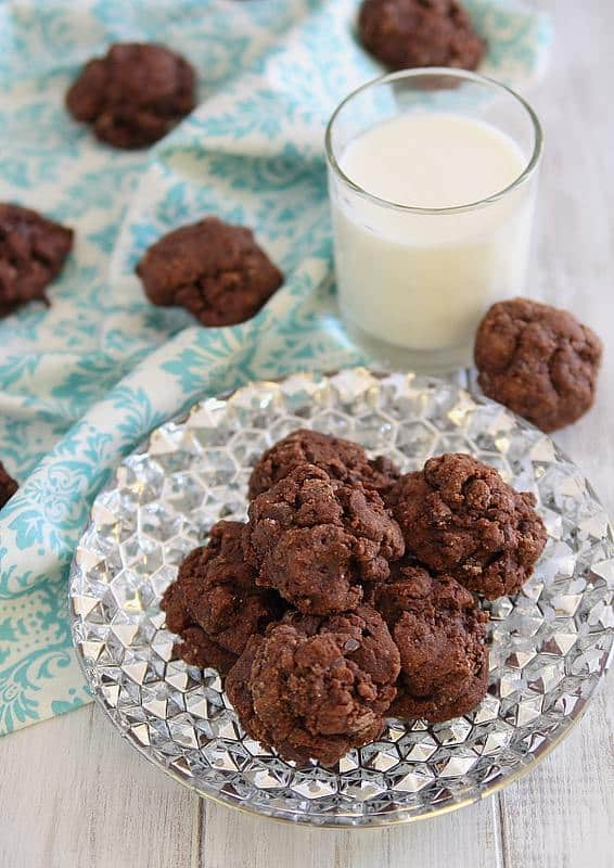 Dark-Chocolate-Amaretto-Fudge-Cookies