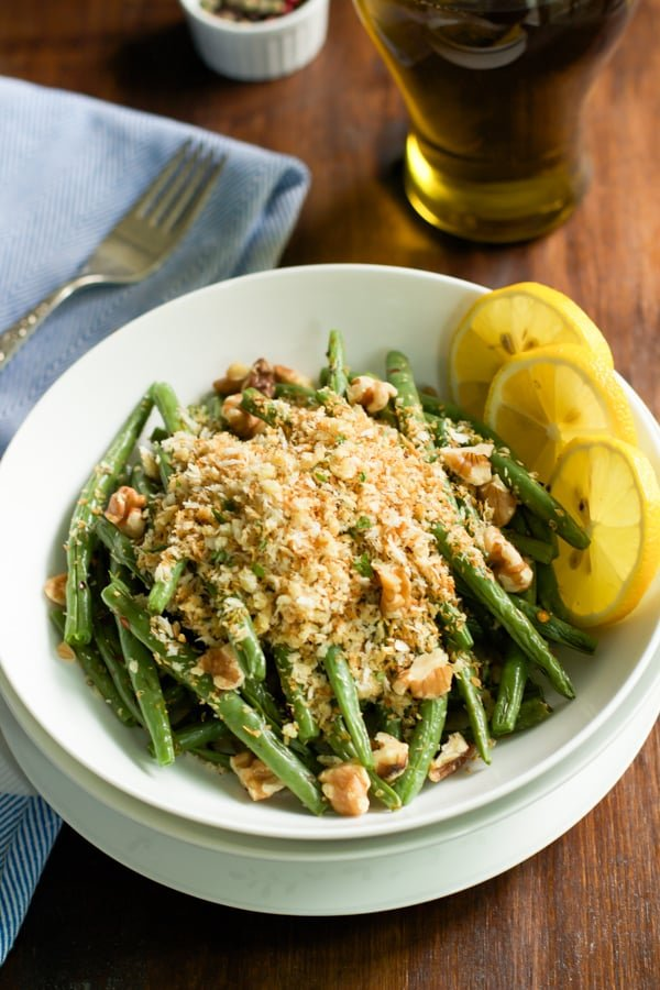 Roasted Green Beans with Garlic Panko - primaverakitchen.com