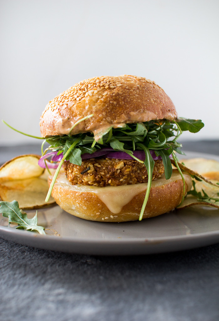 CRUNCHY CHICKPEA BURGERS