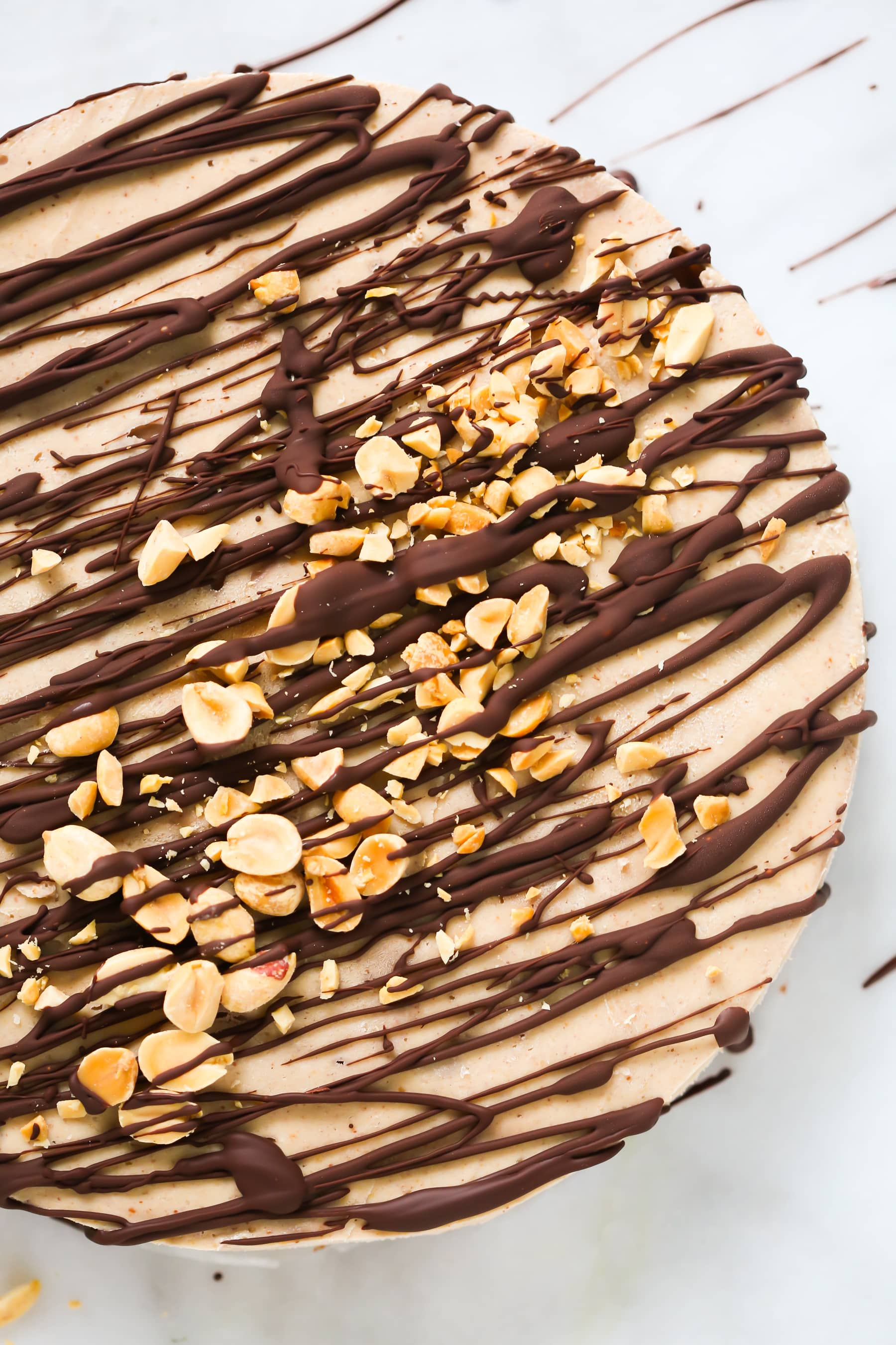 Gluten-free No Bake Peanut Butter Pie - This Gluten-free No Bake Peanut Butter Pie is very creamy, vegan, dairy-free, delicious and incredible easy to throw together.