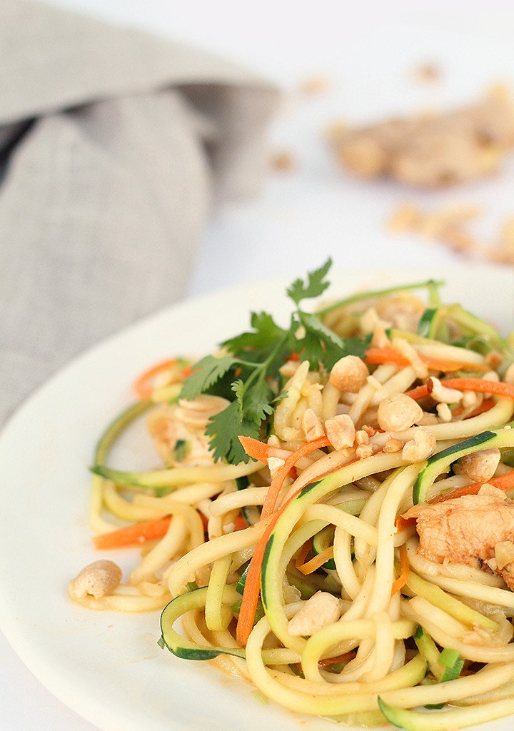 ASIAN PEANUT ZUCCHINI NOODLES WITH CHICKEN recipes Primavera Kitchen
