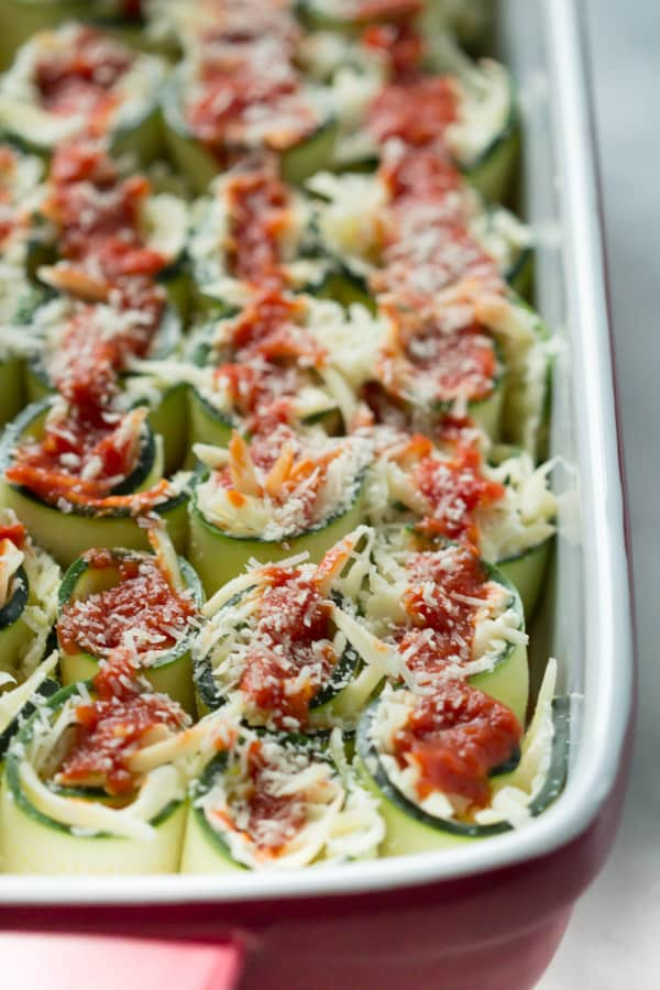 Zucchini Lasagna Rolls - This gluten free Zucchini Lasagna Roll is healthy but with all the flavour of the traditional version. It is very easy to make and it is stuffed with zucchini, ricotta, Parmesan and topped with marinara and mozzarella cheese.