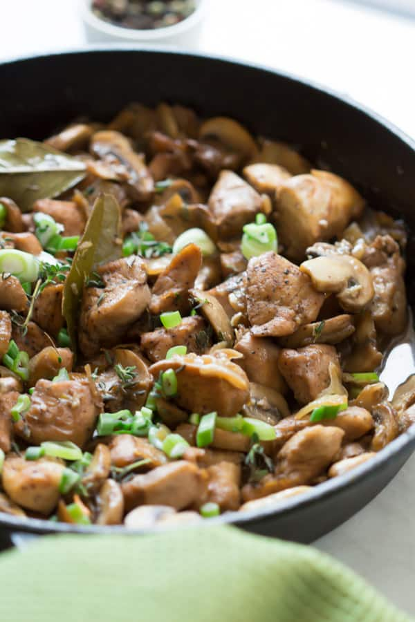 One Pan Chicken In Mushroom Sauce Simplify Your Weeknight Dinner With This One