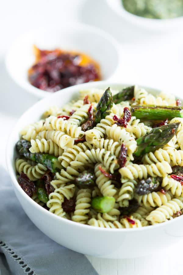 Easy Asparagus Pasta Salad This Easy Asparagus Pasta Salad Only Requires 5 Ingrediten And