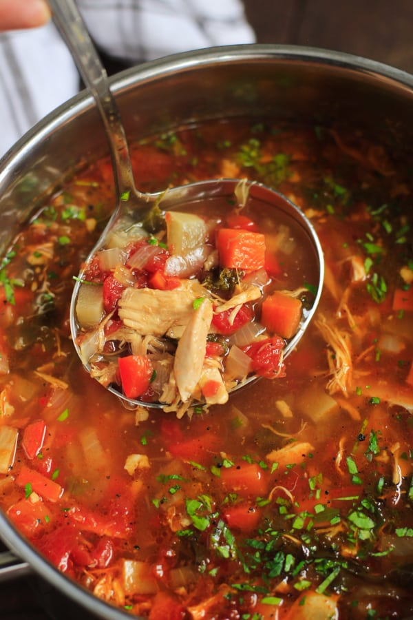 Chicken Vegetable Soup - This ultra-flavourful Chicken Vegetable Soup is all you need to stay warm and healthy. It's also gluten/grain/dairy-free, paleo and low-carb!