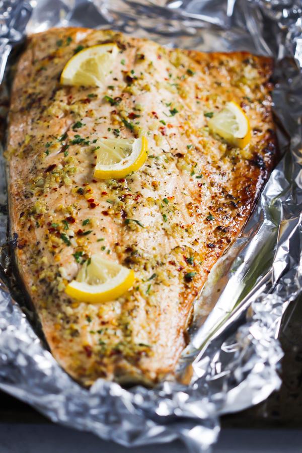 Garlic Butter Salmon in Foil recipe Primavera Kitchen & Garlic Butter Salmon in Foil Recipe - Primavera Kitchen