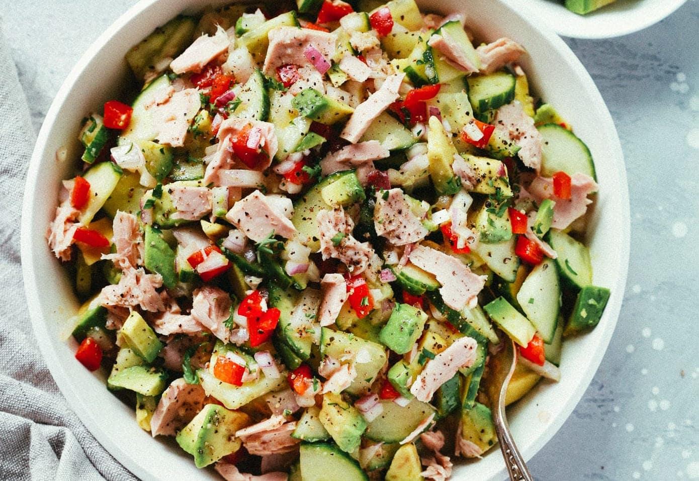 Easy Mediterranean Salad Recipe - Primavera Kitchen