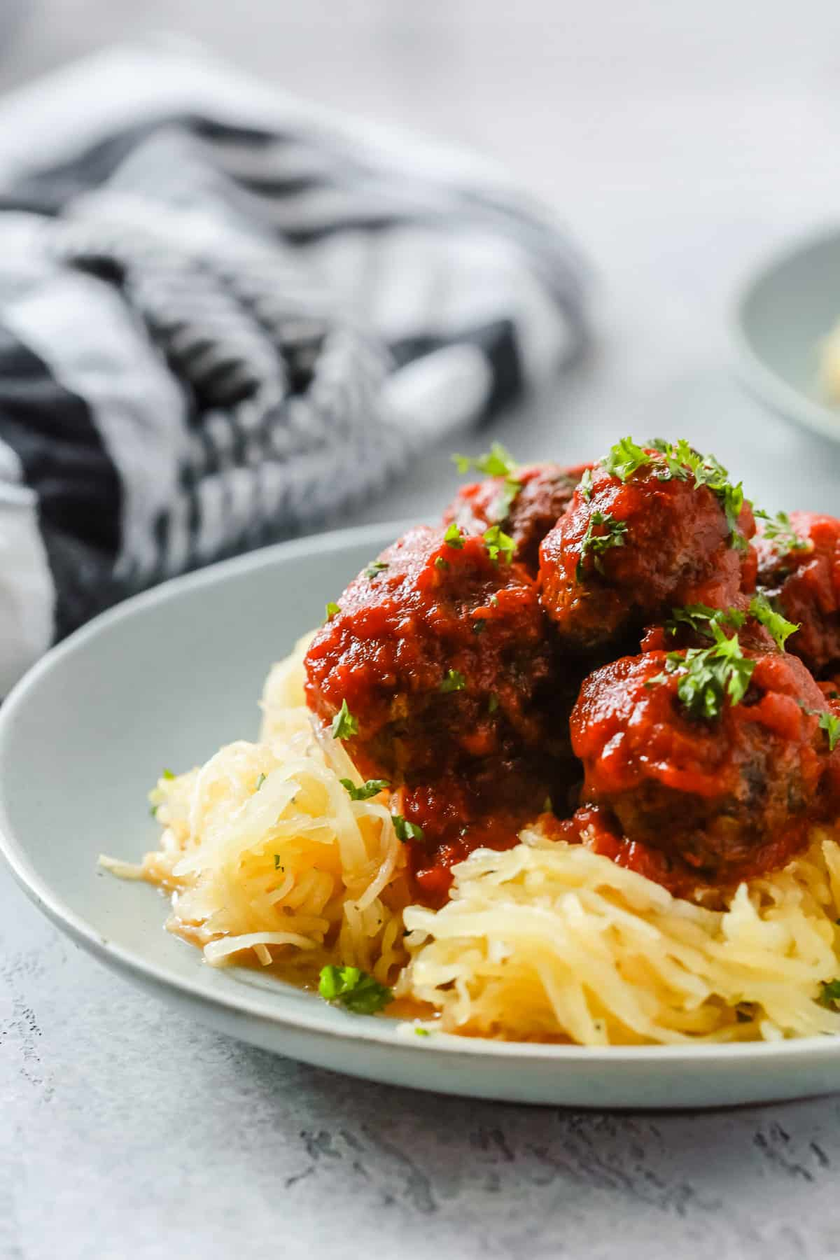 Whole30 Low-Carb Spaghetti Squash With Meatballs