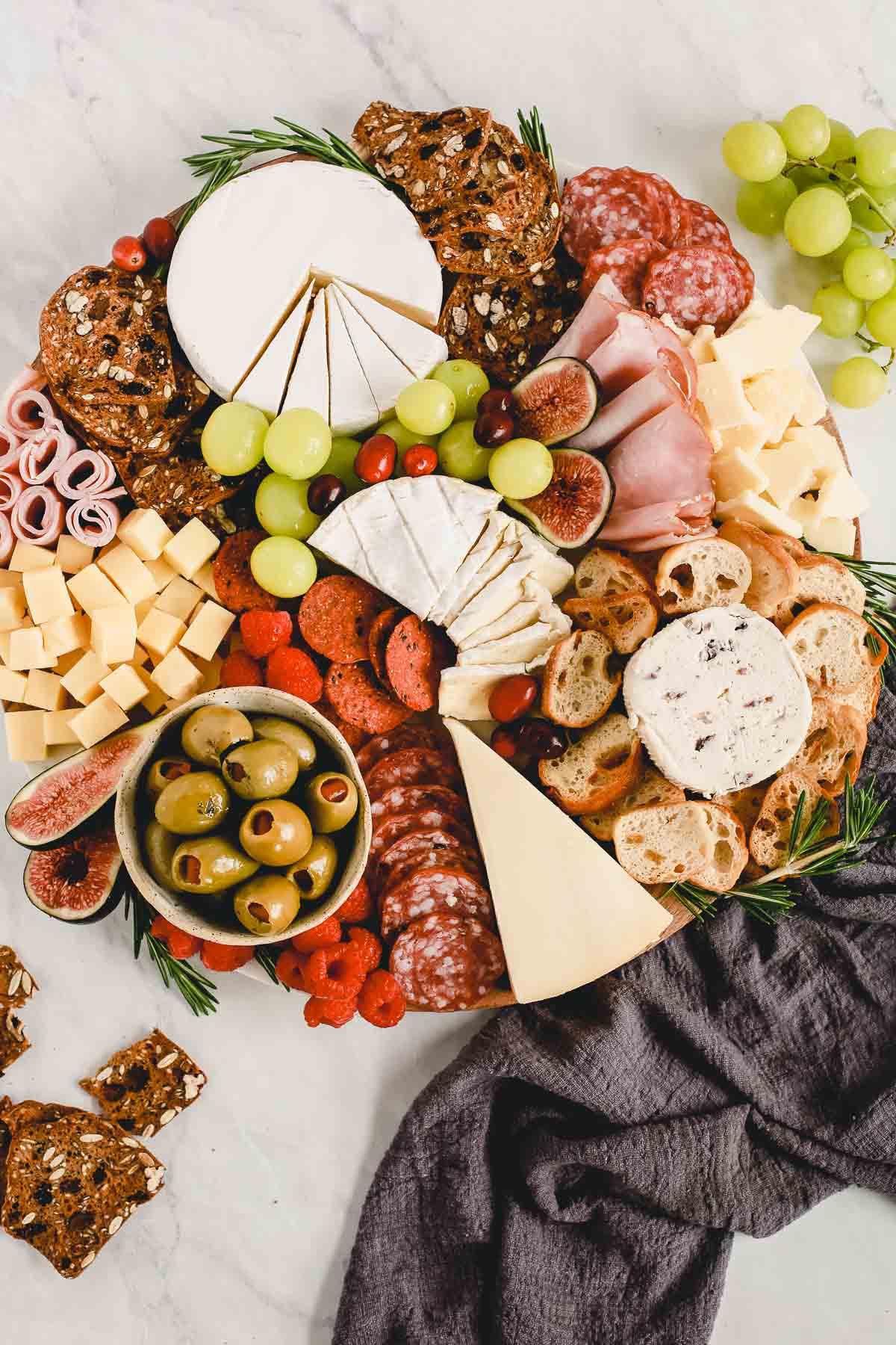 How To Make A Cheese Board Easy Quick Primavera Kitchen
